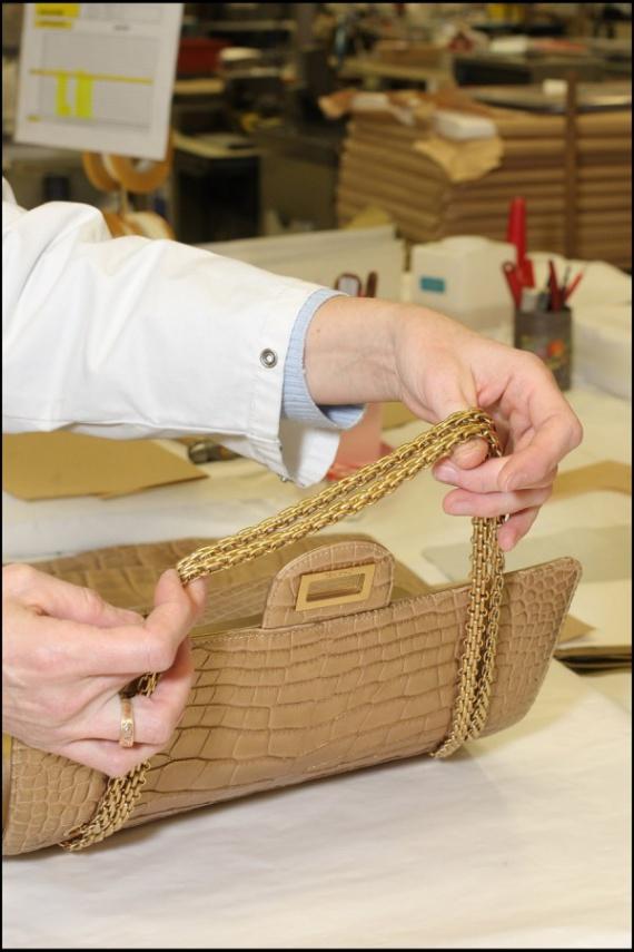 Chanel: создание легендарной сумки 2.55