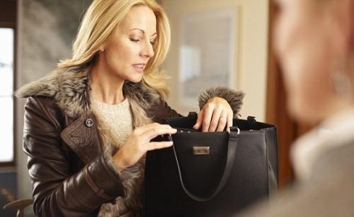 Что у вас в сумочке?