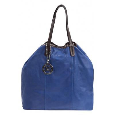 синяя сумка из кожи