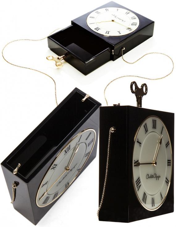 сумочки-«часы» Charlotte Olympia